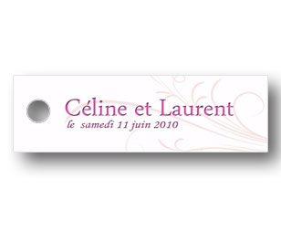 étiquettes dragées mariage rectangulaire de couleur blance et personnalisée avec un arabesque de couleur rose