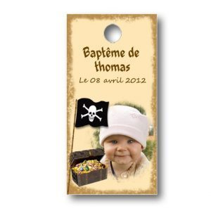 Etiquette-dragees-bapteme-personnalisable-avec-photo-fromat-rectangulaire-ref-petit-pirate-des-caraibes