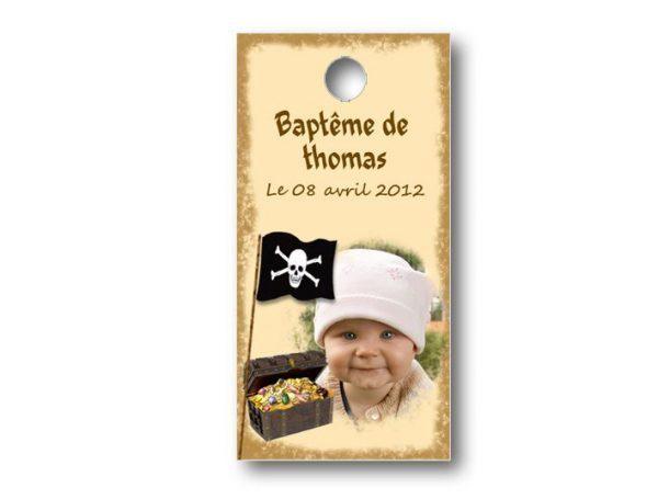 Etiquette-dragees-bapteme-personnalisable-avec-photo-fromat-rectangulaire-ref-petit-pirate-des-caraibes