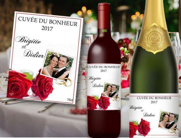 etiquette champagne et vin pour mariage à personnaliser illustrées de deux roses rouge