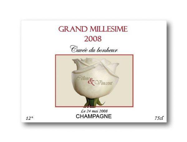 etiquette bouteille mariage vin et champagne illustrée d'une roses blanche avec les prénoms des mariés ebm015