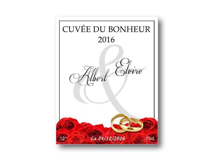 étiquette bouteille mariage illustrée d'un tapis de roses rouge
