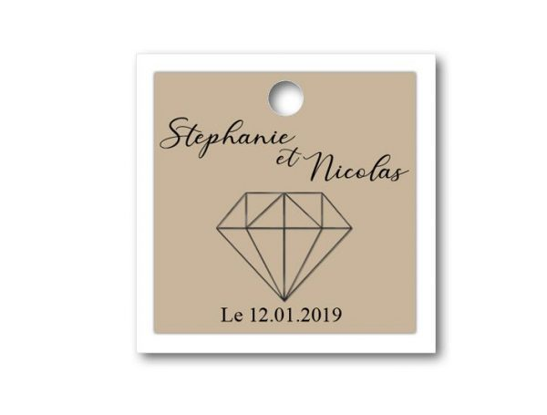 magnifique étiquette dragées mariage sur le thème diamant de forme carré de deux couleurs