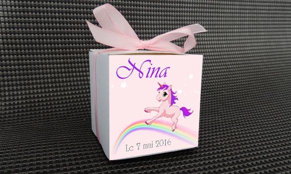 contenant à dragées baptême - boite personnalisée sur le thème Licorne