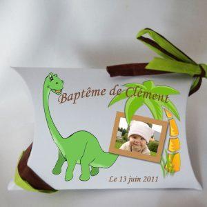 decouvrez notre boite dragees bapteme sur le theme dinosaures