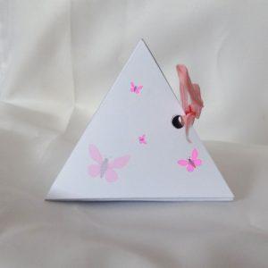 nos boites à dragées pyramide sur le thème papillons