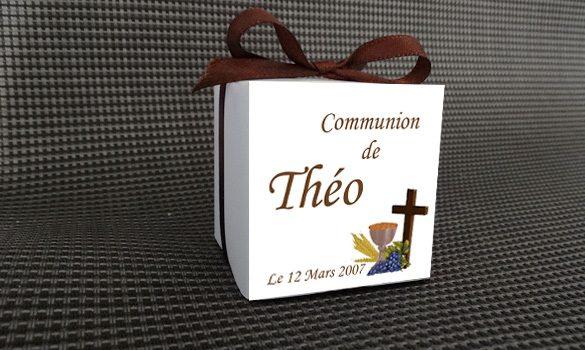 benoit-boite-dragees-communion-carre-dos